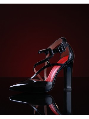 BLACK GLOSSY HIGH HEEL SHOES